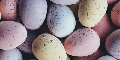 A bunch of light coloured eggs